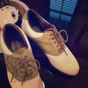 Foot joy 9.5 M Golf Shoes